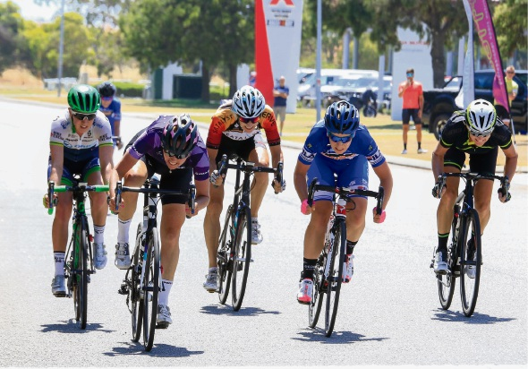 Kylie Anticich (far right) strives for the finish. Picture: Michelle Sherwin