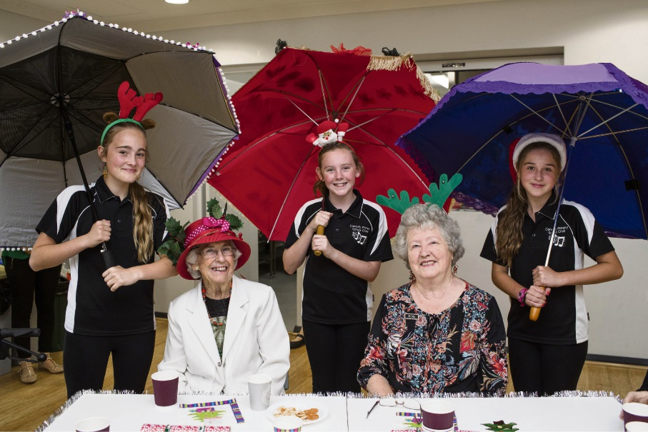 Connolly Primary School students Amara Mayberry, Mikayla Daley and Ella Faro with Brightwater clients Freda Heyworth and Irene Barry.