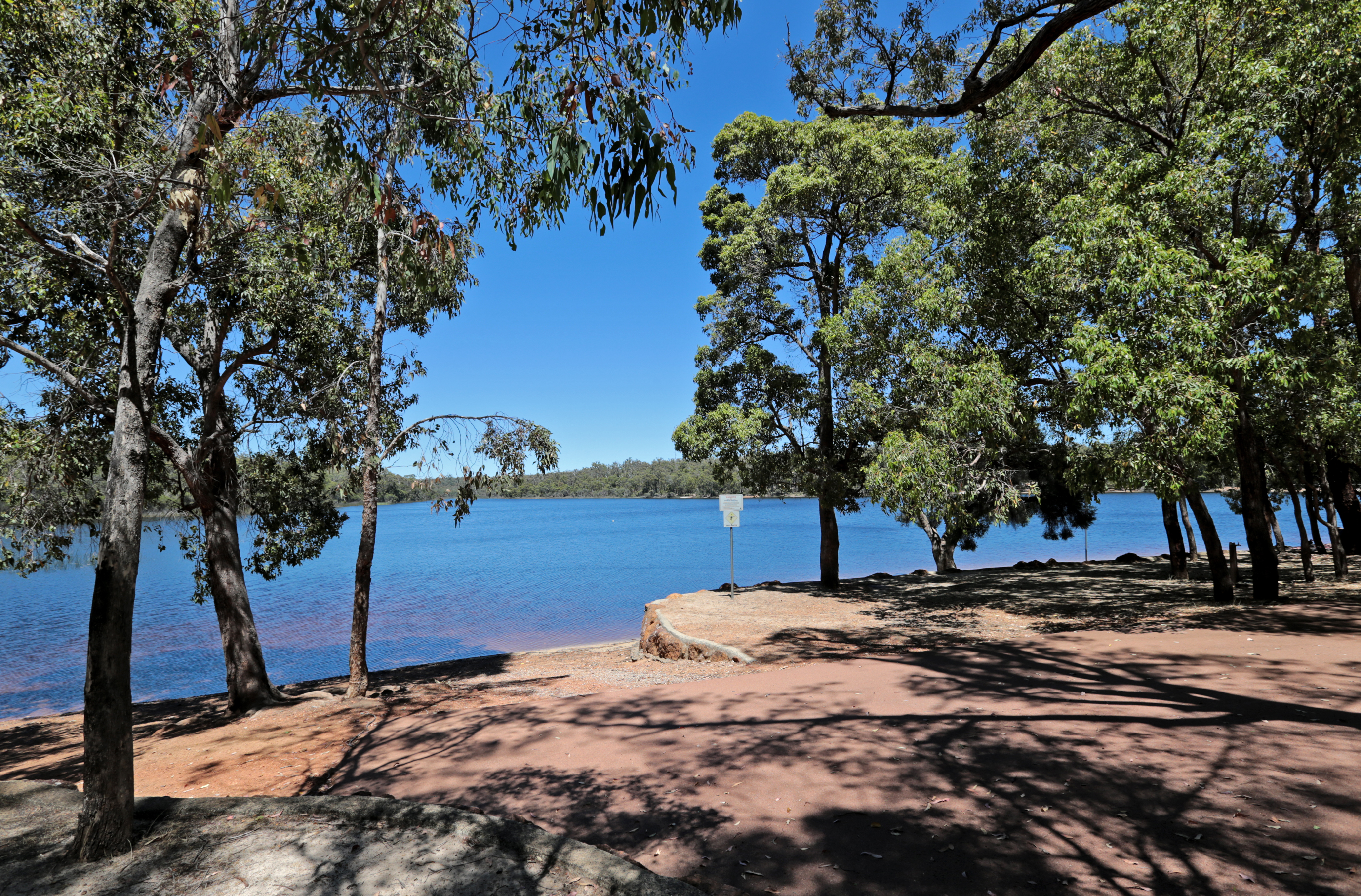 Lake Leschenaultia in Chidlow. Picture: David Baylis d463508