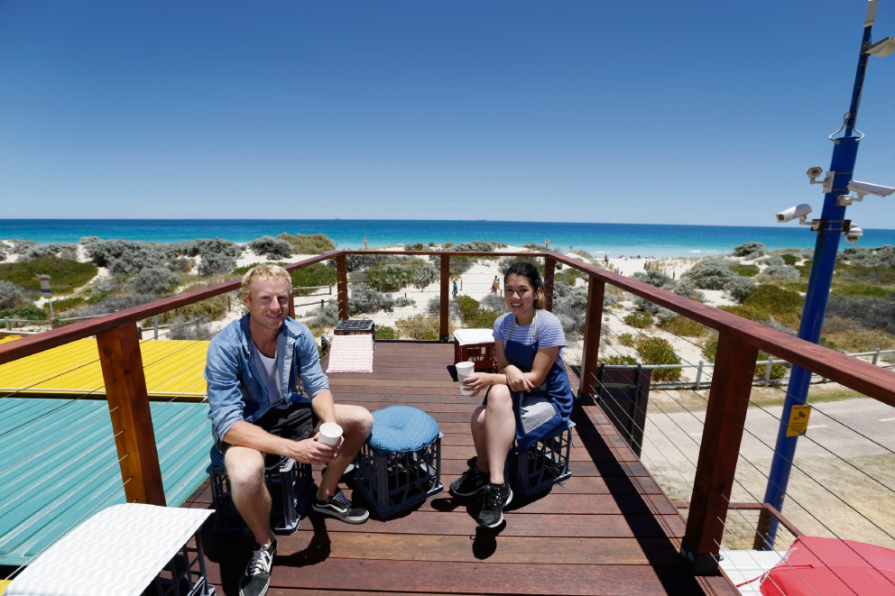 Daniel De Giosa and Jess Phan on top of Kinky Surf cafe.  Picture: Andrew Ritchie         www.communitypix.com.au   d463490