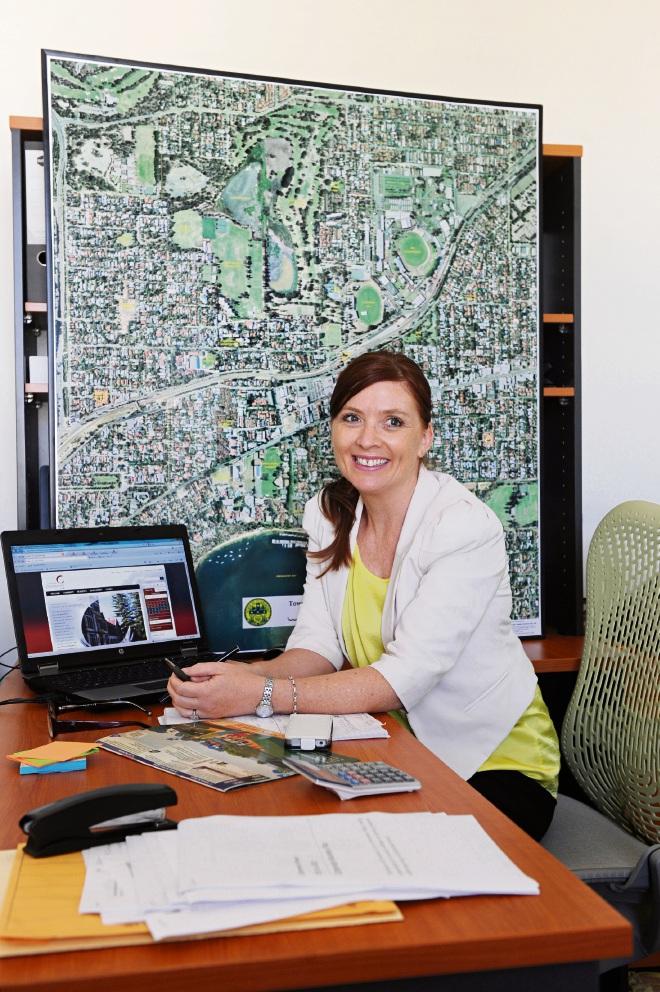 Town of Claremont acting CEO Liz Ledger. www.communitypix.com.au   d395458
