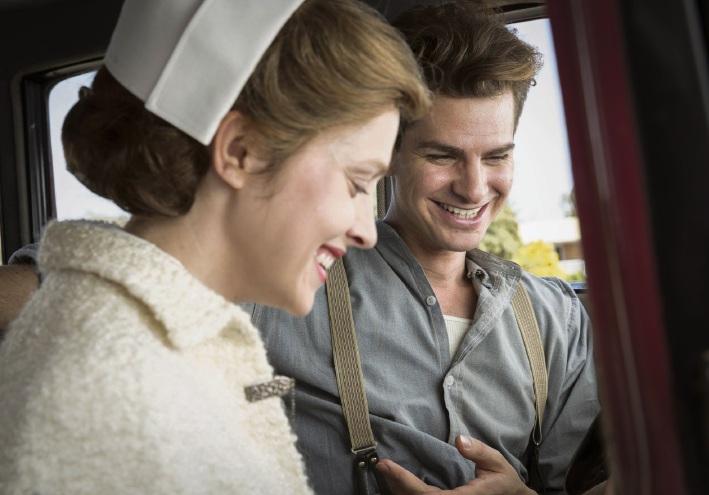 Andrew Garfield and Teresa Palmer in Hacksaw Ridge.