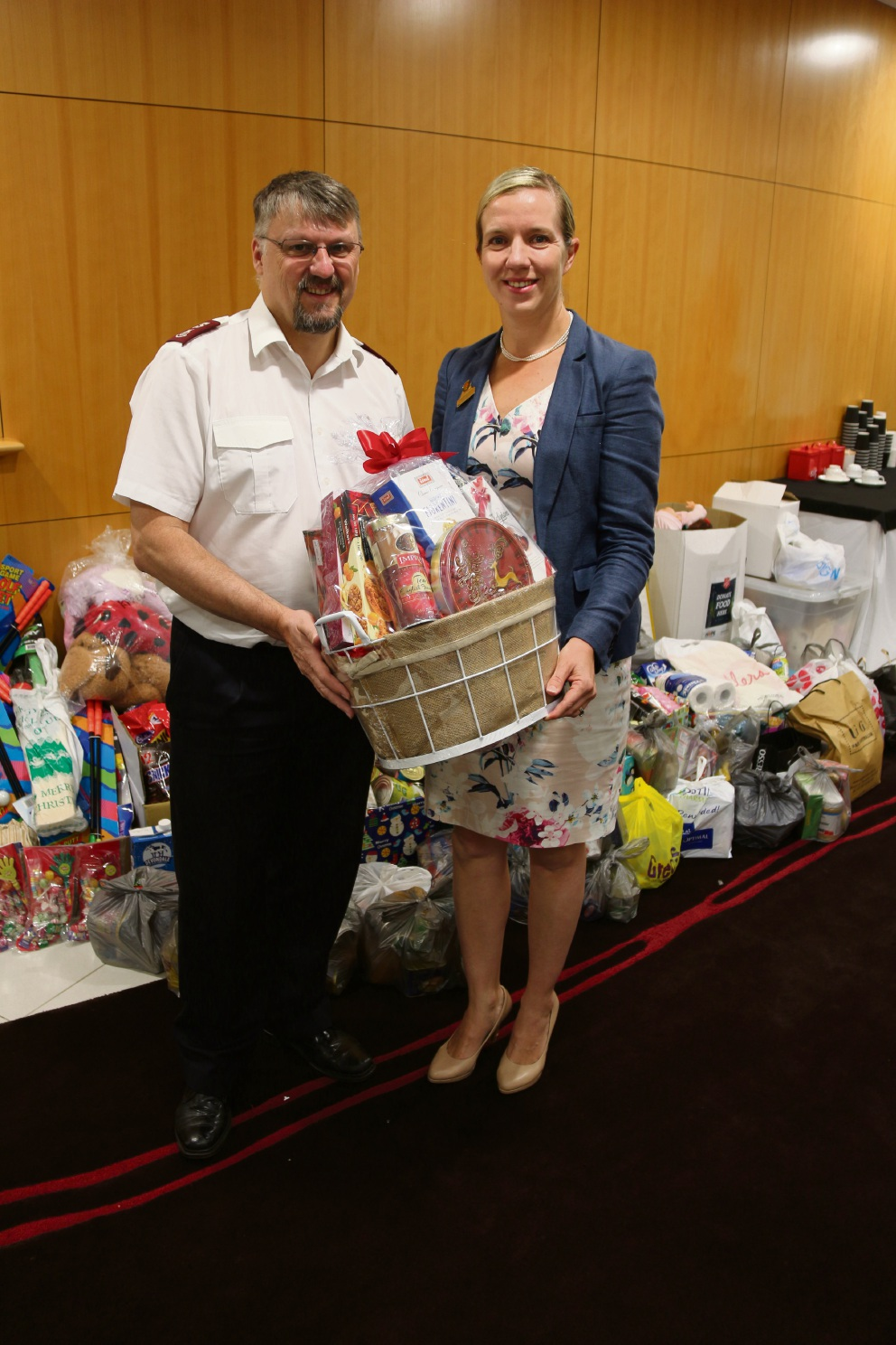 Bayswater Deputy Mayor Stephanie Coates and Salvation Army Morley's Warren Elliott.