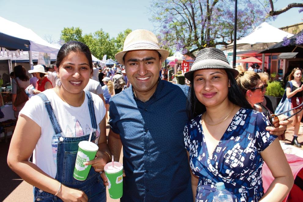 Rotary Jacaranda Festival: heat no deterrent as thousands enjoy festival