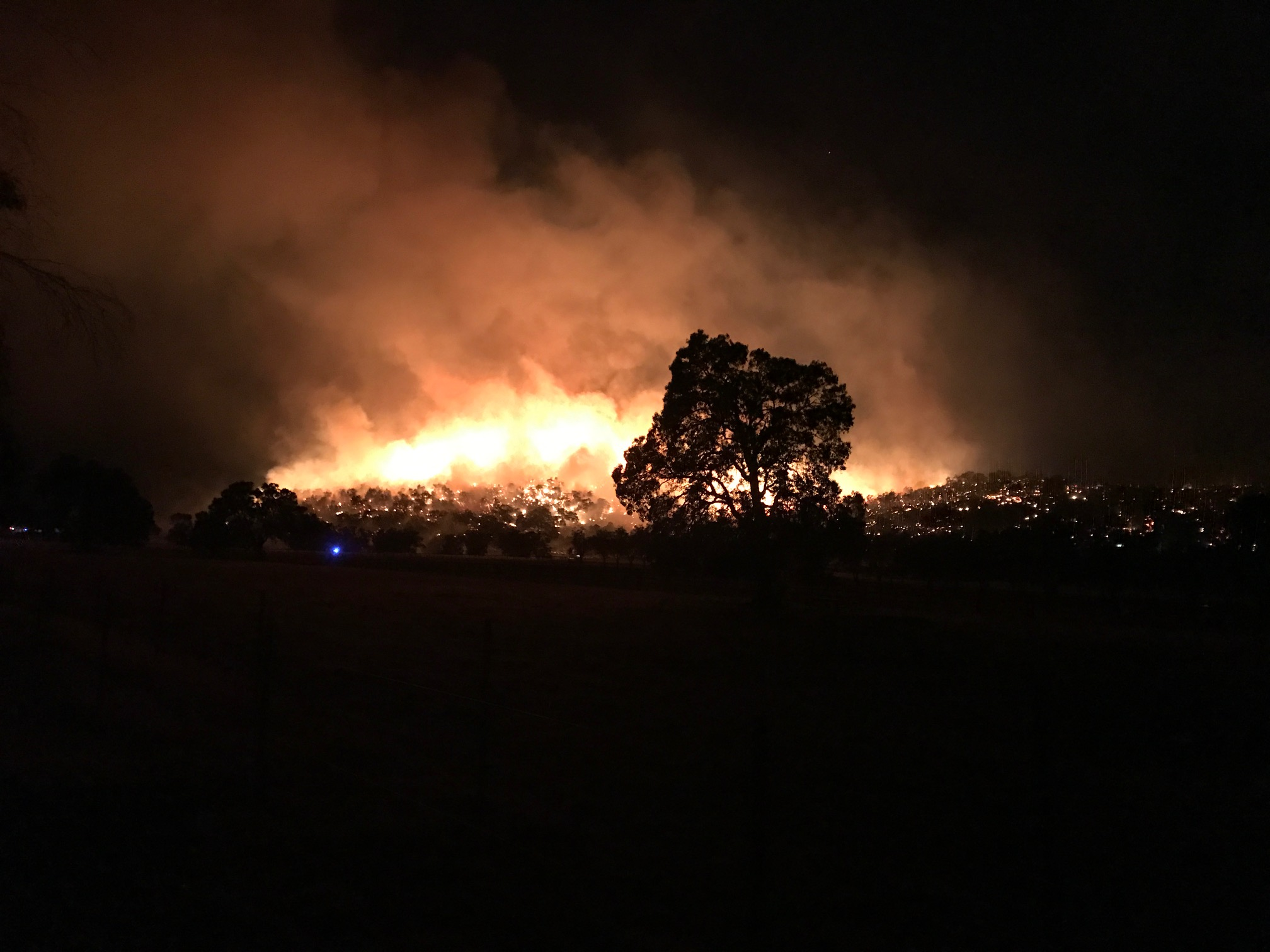 The fire in Upper Swan. Picture: Lisa Thomas.