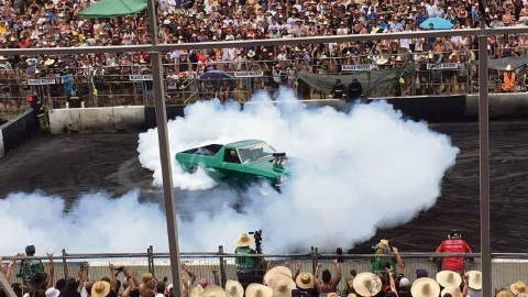 Summernats 30: North Dandalup revhead leaves rubber in burnout comp