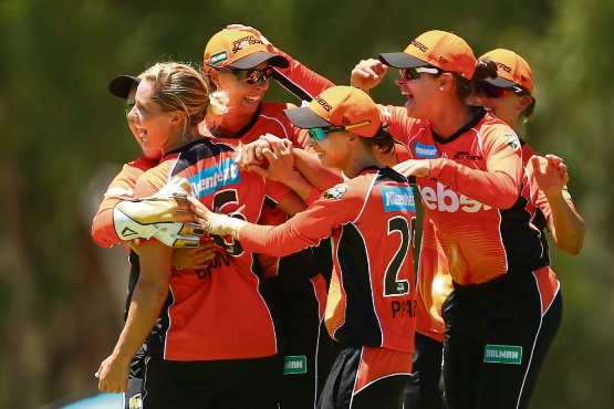Cricket: Perth Scorchers second in Women's Big Bash League after consecutive weekend wins