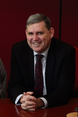 North Metropolitan MLC Ken Travers has announced he will retire from State Parliament.