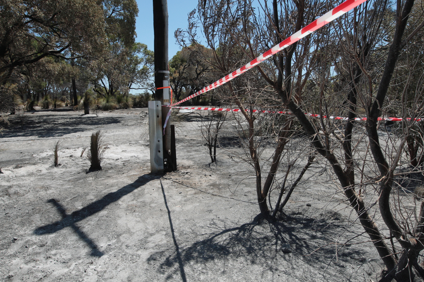 Firefighters have contained a bushfire in Pinjar. PIcture: Bruce Hunt d464528