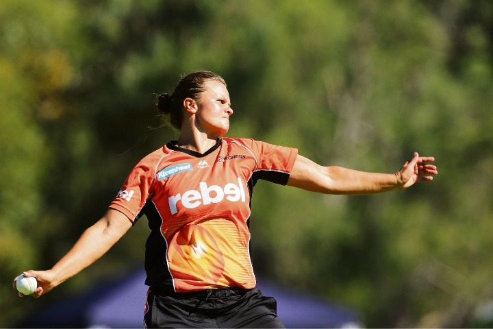 Suzie Bates was all power for the Scorchers.