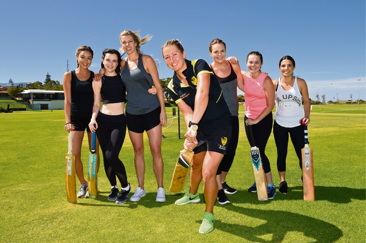 Female cricketers Katelyn Trebley, Morgan Buller, Clare Leighton, Janelle Cuthbertson, Ellie Moore, Amy Johnston and Elizabeth Franchina. Picture: Jon Hewson        www.communitypix.com.au d464167