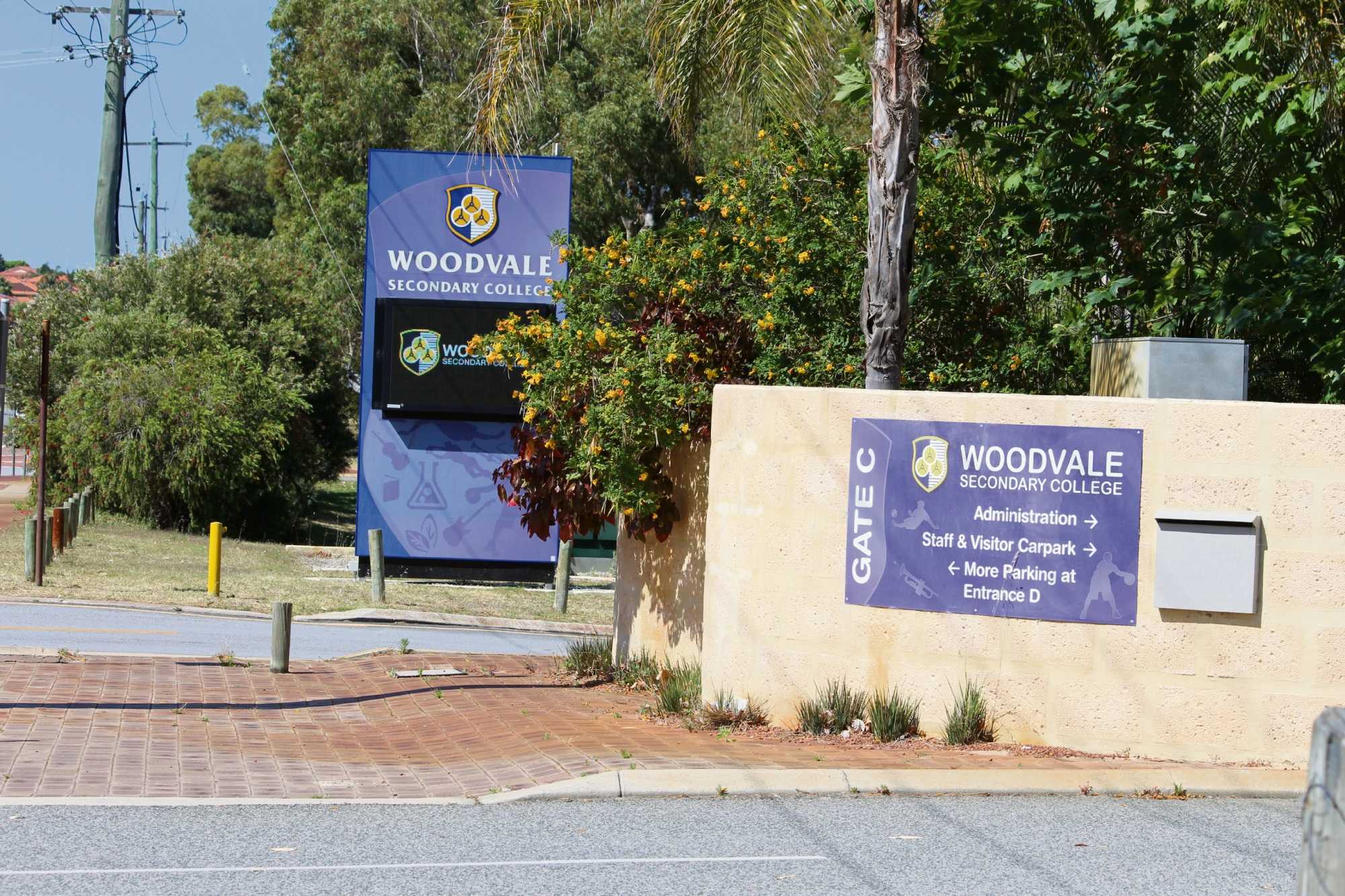 WA Police forensics at Woodvale Secondary College