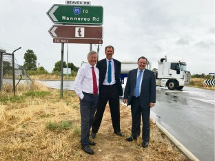 Transport Minister Bill Marmion with Main Roads WA project director Rob Arnott and Swan Hills MLA Frank Alban.