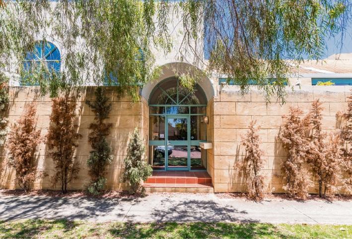 Peppermint Grove, 3/8 Johnston Street – $825,000