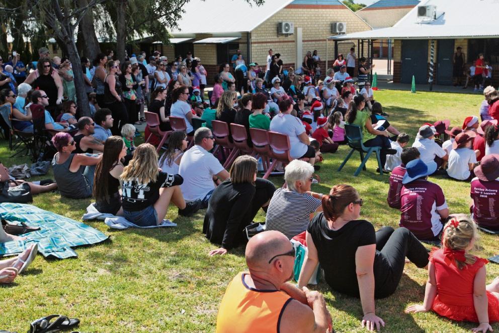 Merriwa Primary School students shine at Christmas concert