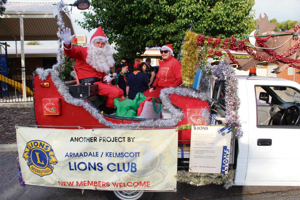 Armadale-Kelmscott Lions Club members guided Santa when he last visited Armadale for the 2015 Santa on his Sleigh.