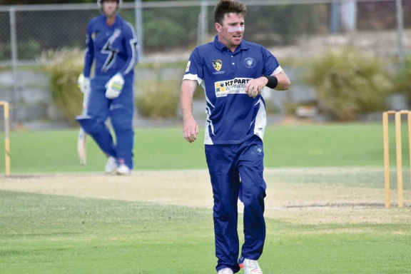 Fremantle quick Chris Chellew starred with four wickets and 43 runs in Fremantle's tense win over Melville on Sunday.