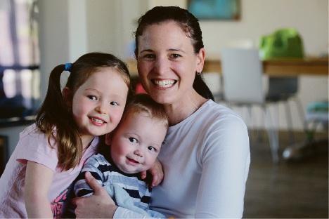 Lauren Woodland Sandison with Violet and Henry. Picture: Bruce Hunt  d461268