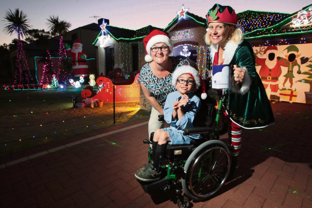 Hocking Christmas lights lead to new wheelchair