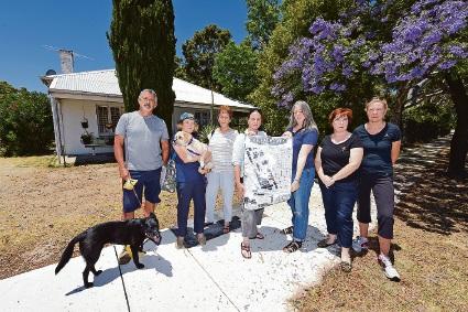 Town of Victoria Park plans for 'caretaker's cottage' at Lathlain Park causing contention