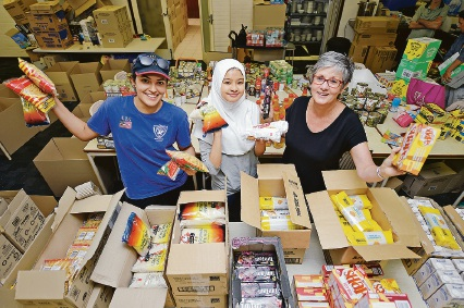 Manna volunteers making a difference this Christmas for those less fortunate