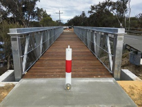 A proposed cycle path will go across Wilgie Creek Bridge in the Shire of Murray.