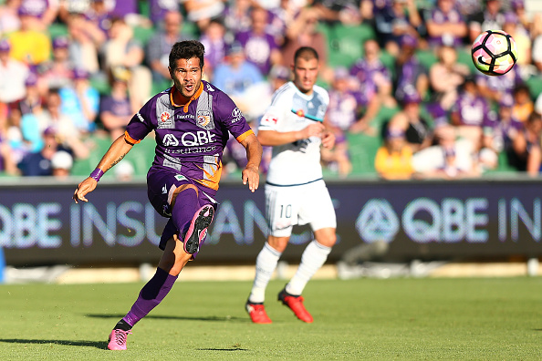 Milan Smiljanic crosses the ball during the round 16 A-League match between Perth Glory and Melbourne Victory. Picture: Paul Kane/Getty Images
