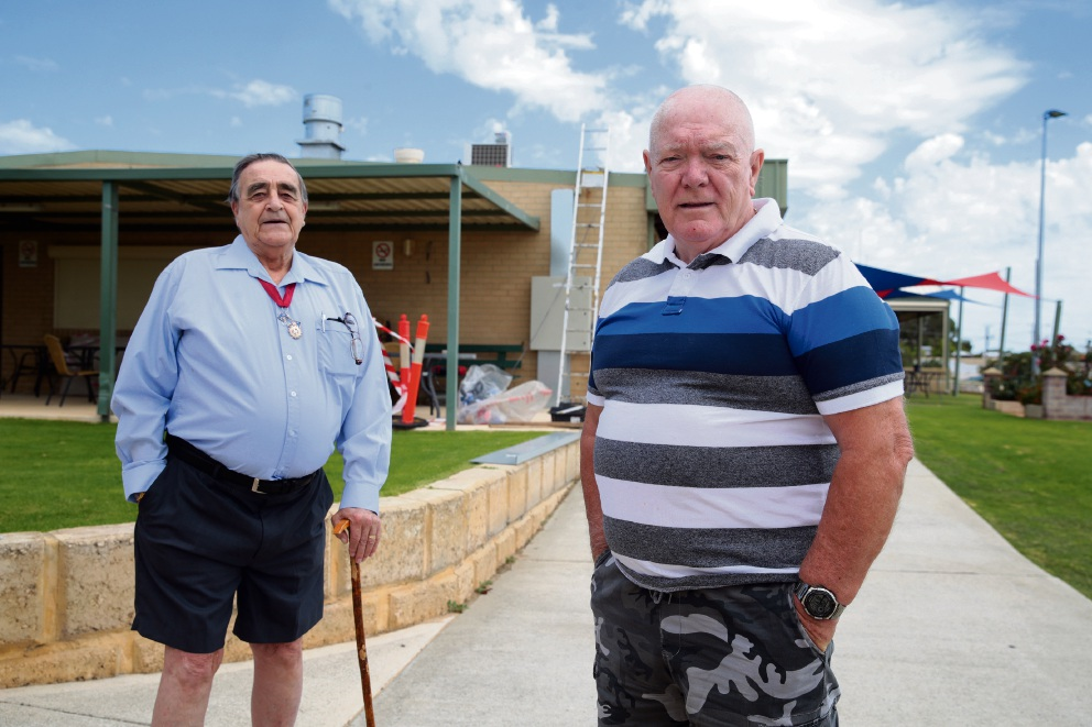Antony Jackson and Jim Douglas believe there is a need for a Men's Shed branch in Quinns Rocks.        d465714