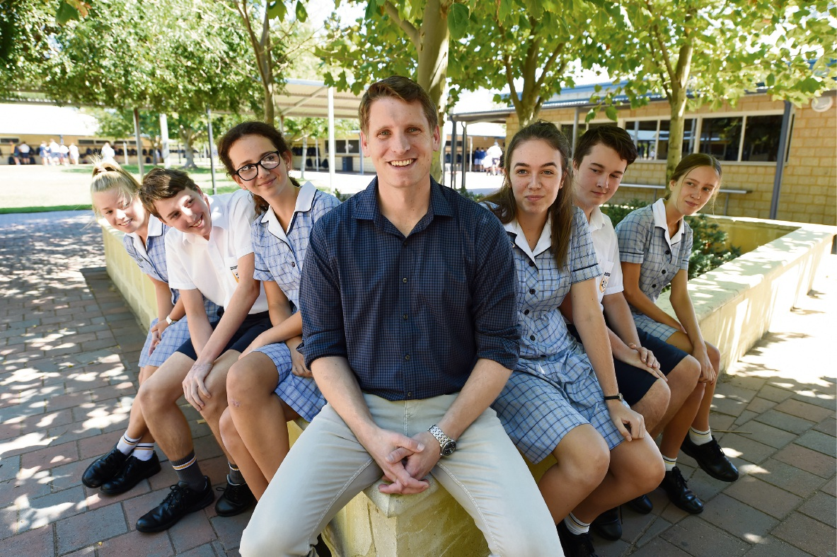 Andrew Hastie (centre) with upper school students Sophie Burton, James Boucaut, Kalani Vassallo, Monique Tuffnell, Caleb Dodd and Stella Duchar. 	Picture: Jon Hewson    d465537
