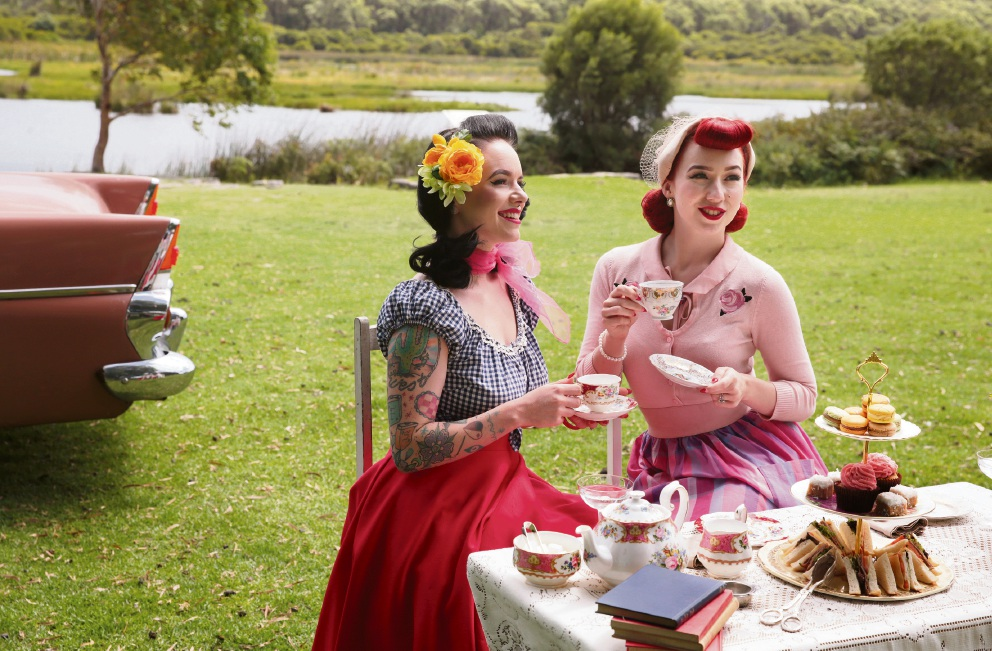 Miss Veronica Lily and Miss Lady Lace, with table setting by The Vintage Parlour. Picture: Martin Kennealey   d465752