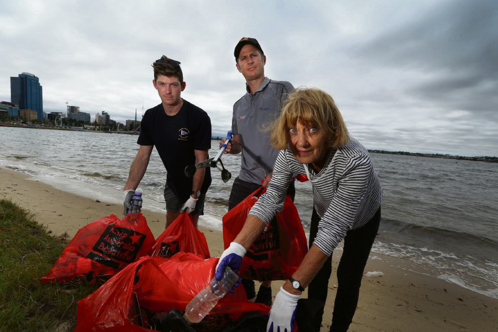 Volunteers chip in to Clean Our Rivers