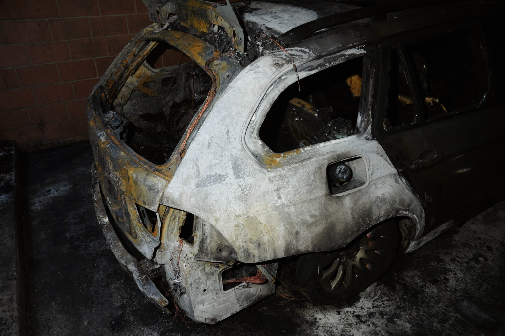 Arson squad investigating two suspicious fires in Balga and Joondalup that damaged a home and BMW