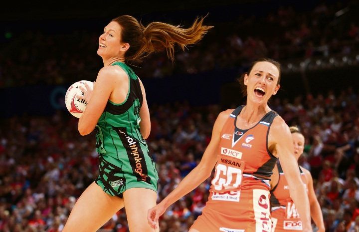 Kate Beveridge in action for the Fever against the Giants.