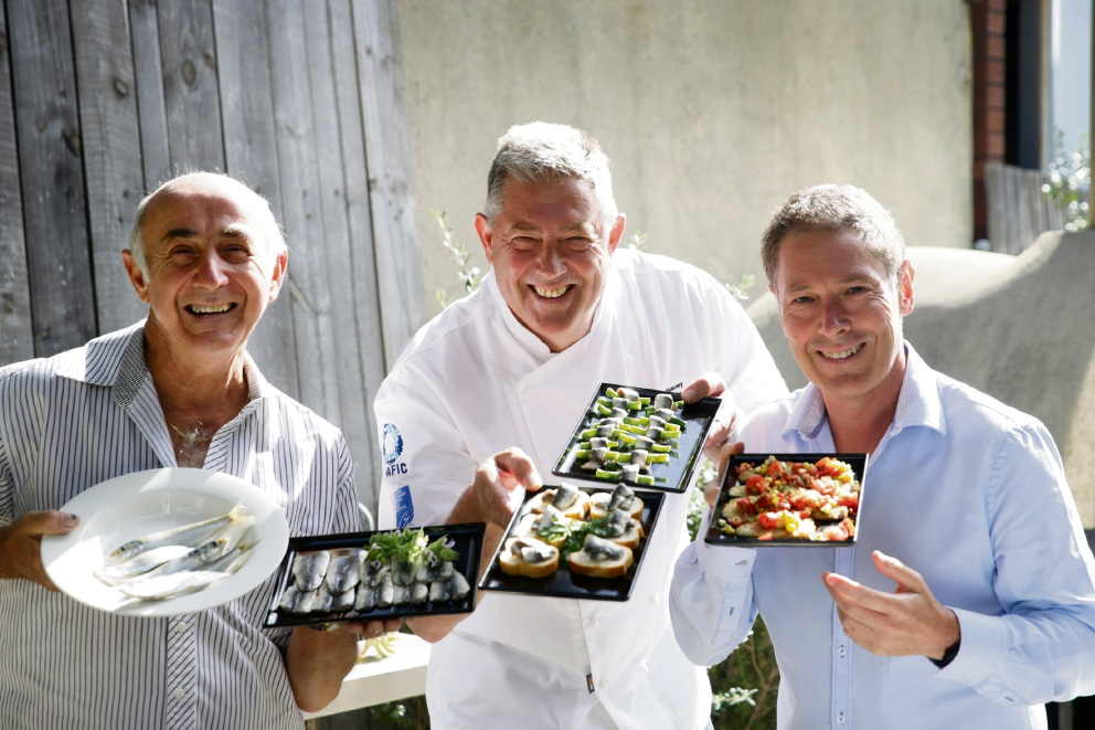 Jim Mendolia, Don Hancey and Dr Joe Kosterich with some Fremantle Sardines.  Picture: Andrew Ritchie  d464777