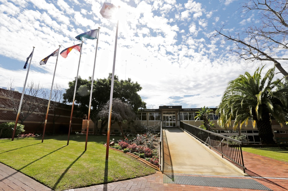 Bassendean ratepayers' efforts to pass no confidence motion in mayor and staff fails again