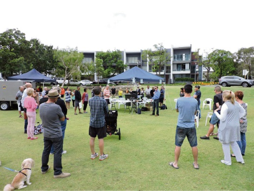 Burswood residents gathered at The Circus to hear about the Neighbourhood Watch program.