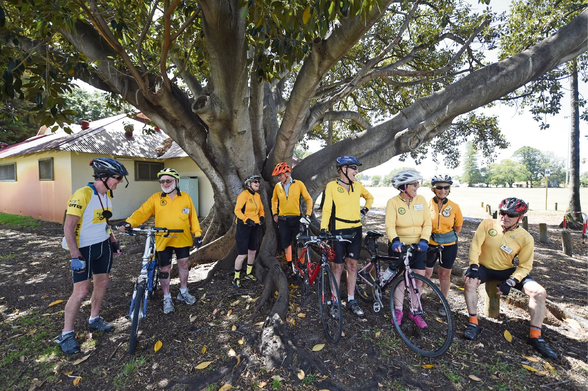 Over 55 Cycling Club members. Picture: Jon Hewson        www.communitypix.com.au   d466757