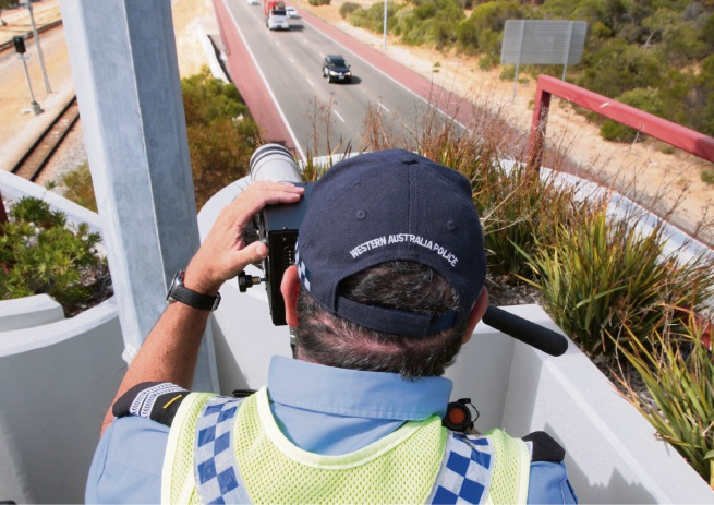 WA Police target mobile phone use on Mitchell Freeway from long range