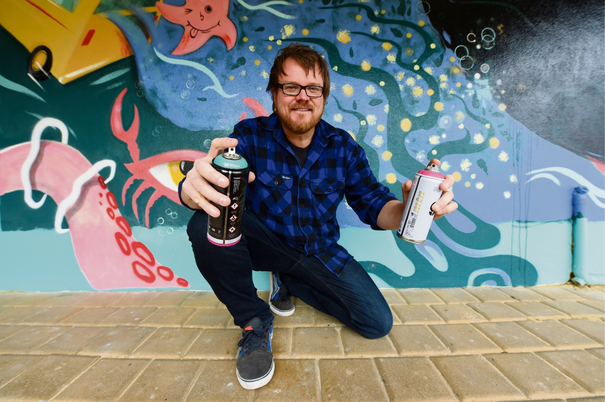 Artist Dan Duggan. Picture: Jon Hewson