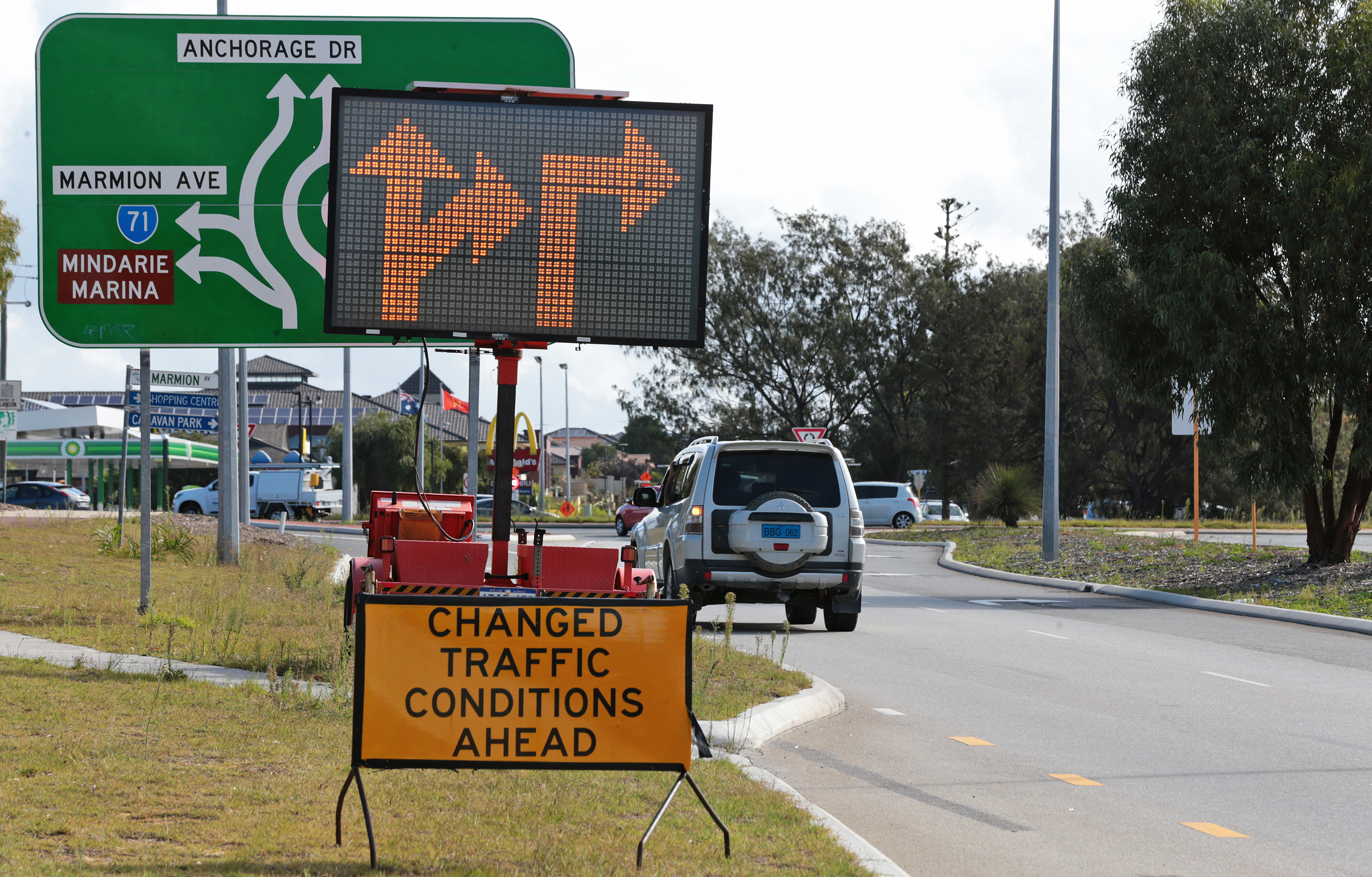 The City of Wanneroo has changed traffic flow arrows at the Hester and Marmion avenue roundabout. d467175