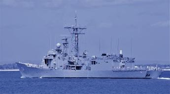 HMAS Darwin departs Rockingham for final time