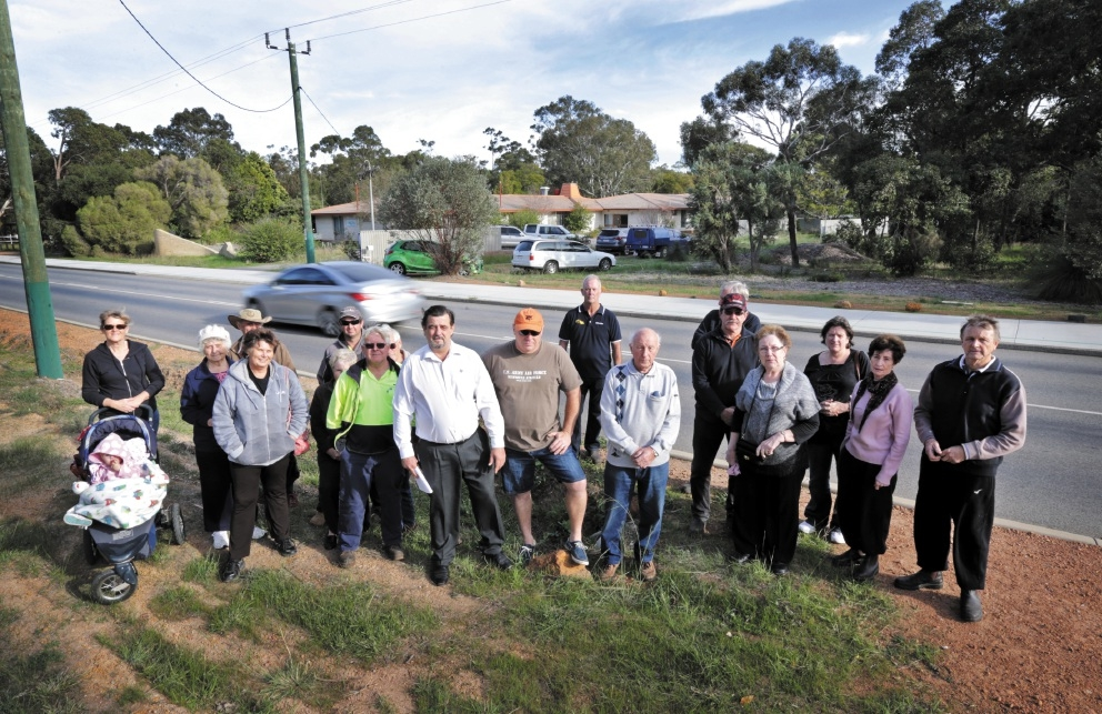 Wattle Grove residents are concerned about a proposed place of worship on Lewis Road. Picture: David Baylis    d439434