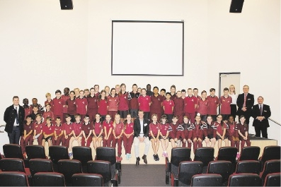 Pearce MHR Christian Porter (centre) with year 6 students from Ellenbrook Christian College.