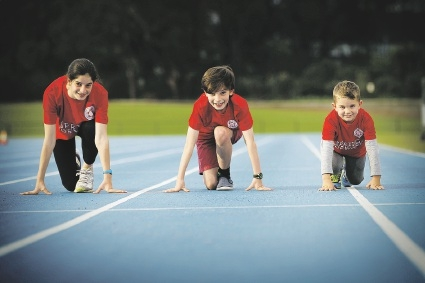 Jordana Mathews (14), Austin Matthews (11) and Hudson Absalom-Hornby (4) are taking part in the Kids Fun Run to raise money. Picture: Andrew Ritchie        www.communitypix.com.au   d441474