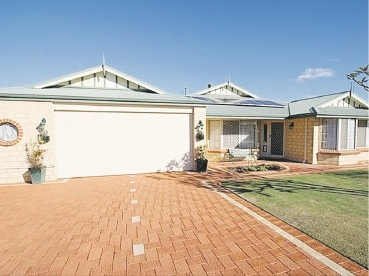 Open-plan Port Kennedy home a steal for modern buyers.