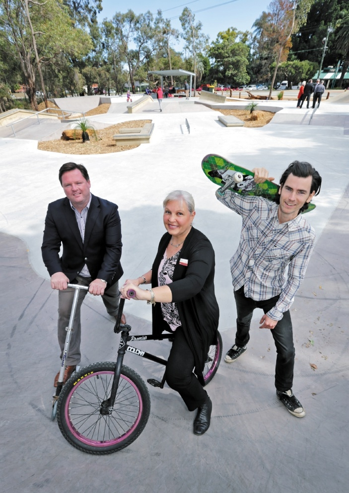 Forrestfield MLA Nathan Morton, shire president Sue Bilich and Skate Sculpture's Mitch Long at the park's opening. Picture: David Baylis        d442442