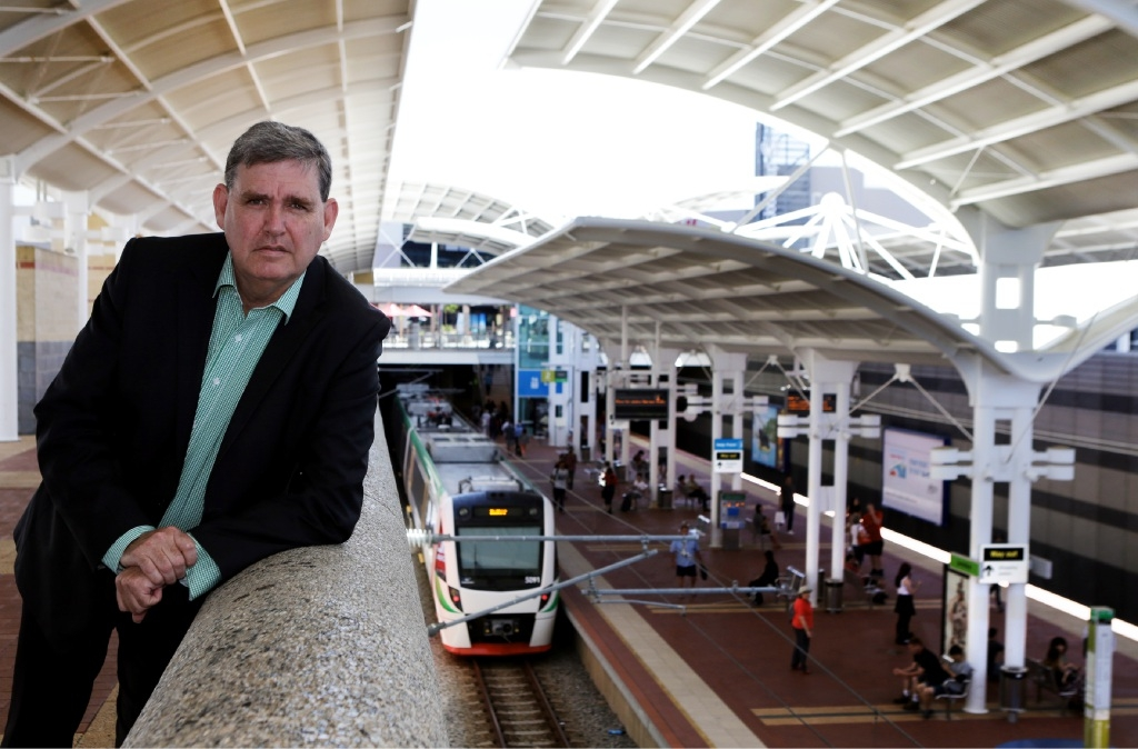 Labor MP Ken Travers says commuters have turned away from public transport during peak times.