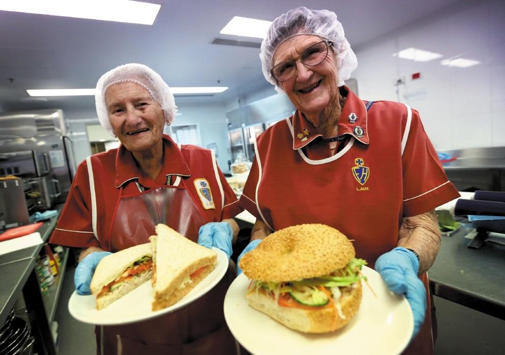 Wyn Fatovich and Val Timms. Picture: Matt Jelonek www.communitypix.com.au   d442978