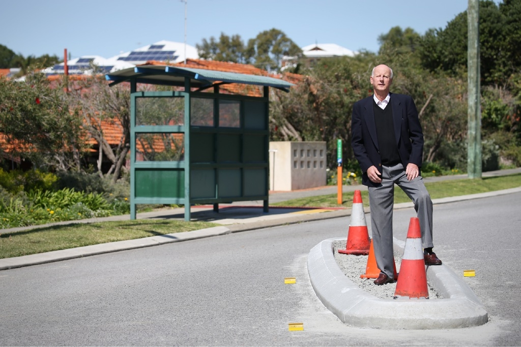 Albert Koenig at the traffic island in Flora Terrace.  Picture: Andrew Ritchie        www.communitypix.com.au   d443213