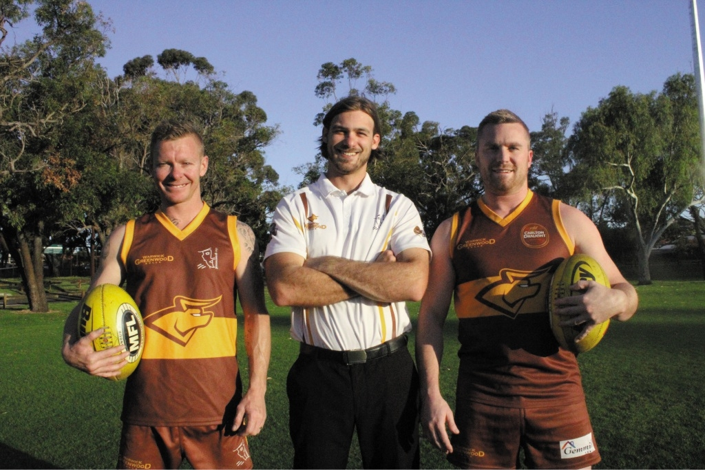 Warwick Greenwood A co-captains Dave Frodsham and Michael Richards with coach Andrew Di Loreto. Picture: Aaron Clinch